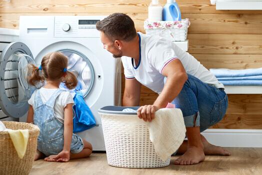 איך לנקות מכונת כביסה ולשמור על יעילותה?
