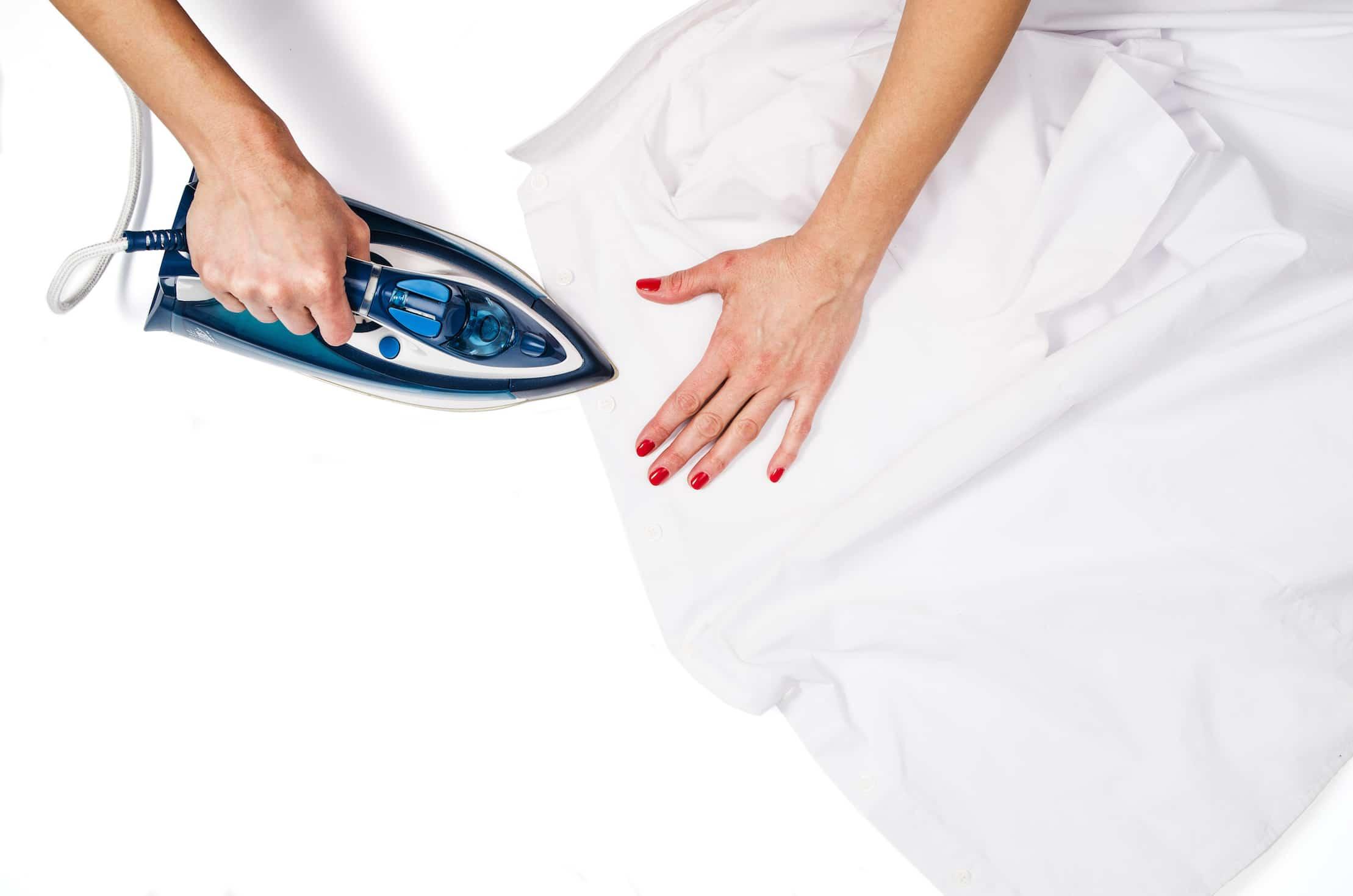 איך לנקות אבנית גם ממגהץ? אפשרי