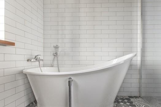 ניקוי אריחי אמבטיה